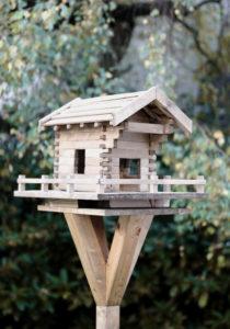 vogelhaus selber bauen in wenigen schritten zum fertigen. Black Bedroom Furniture Sets. Home Design Ideas