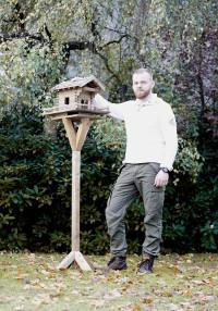 vogelhaus selber bauen in 13 schritten zum fertigen vogelfutterhaus. Black Bedroom Furniture Sets. Home Design Ideas